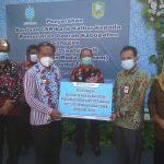 Bank Kalbar serahkan Bantuan CSR 1 Unit Dump Truk untuk Pemda Sanggau – Dinas Lingkungan Hidup