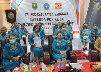 TP PKK Kabupaten Sanggau Ikuti Rakerda IX Tahun 2021 Secara Virtual