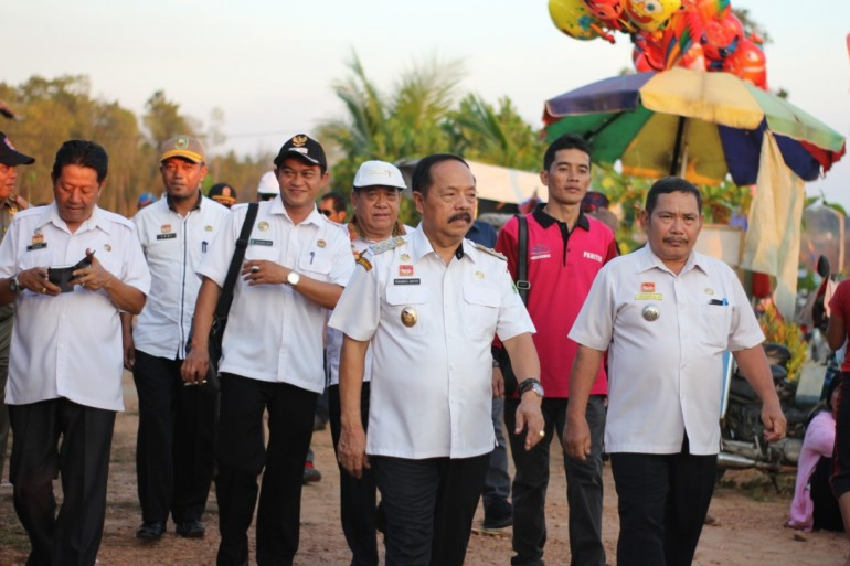 Wabup Sanggau Yohanes Ontot Tutup Festival Danau Laet ke-3 Tahun 2020