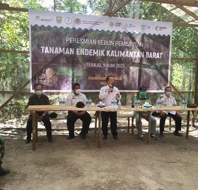 Plt. Kadis Dinas Lingkungan Hidup dampingi Wakil Bupati Sanggau resmikan Kebun Bibit Tanaman Endemik Kalbar – Dinas Lingkungan Hidup