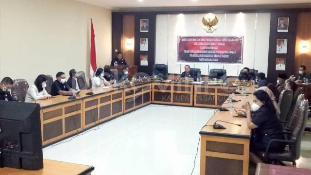 DPRD Sanggau Setujui Raperda LKPj APBD Tahun Anggaran 2020 Menjadi Perda