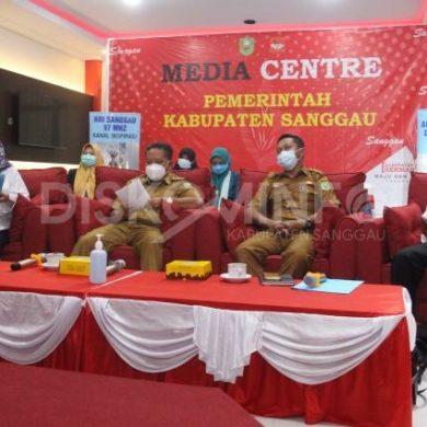 Kadis Kominfo Sanggau Menutup Webinar Peningkatan Teknik Public Speaking Kepada Tenaga Pendidik
