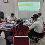 Bidang Statistik dan Persandian Dinas Kominfo Sanggau Berkoordinasi dengan Bidang P2BE dan Bidang PIKP Laksanakan Rapat Intern Terkait Pengisian Indeks KAMI