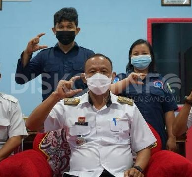 Sosialisasi dan Serah Terima Pengelolaan Website PPID Kecamatan Meliau