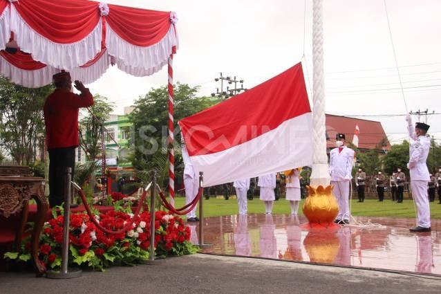 Pimpin Upacara HUT RI ke-76, Bupati Sanggau: Maknai Kemerdekaan Sebagai Kekuatan Bersama Hadapi Pandemi Covid-19