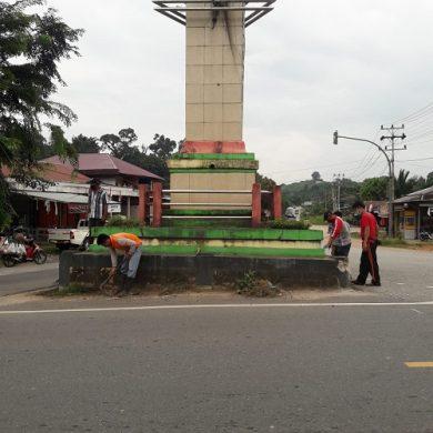 Sambut HUT RI Ke-76, DLH Sanggau Percantik Kota – Dinas Lingkungan Hidup
