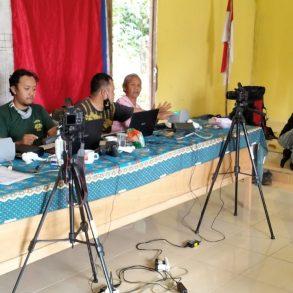 Dukcapil lakukan pelayanan Jemput Bola bagi Warga di Desa Padi Kaye