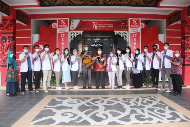 Wakil Bupati Sanggau Sambut 12 orang Tenaga Internship Yang Bertugas di Kabupaten Sanggau