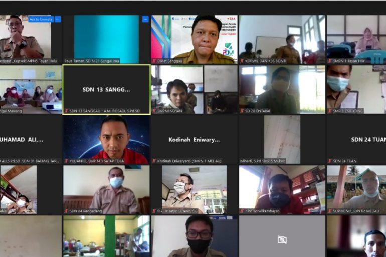 Sosialisasi Simulasi Pemuktahiran Data Mandiri (PDM) melalui aplikasi MySAPK untuk Tenaga Pendidikan (Guru SD dan Guru SMP).