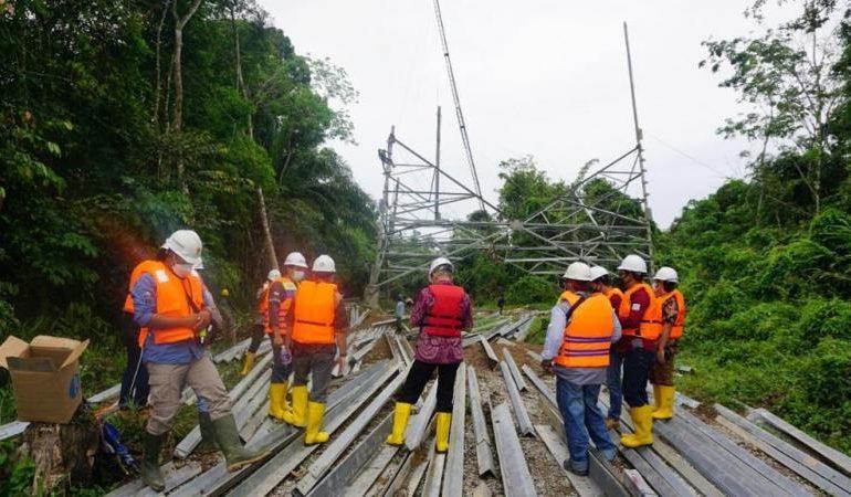 Pastikan Pembangunan SUTT di Sanggau-Sekadau-Sintang Berjalan Lancar, GM PLN UIP KLB Pantau ke Lapangan