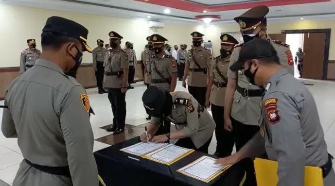 4 Perwira Polres Sanggau Mutasi Jabatan