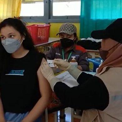 172 Siswa SMA di Sanggau Terima Vaksinasi Dosis Pertama