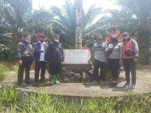 DLH Sanggau lakukan kunjungan ke Kawasan Hutan Adat Tembawang Tampun Juah di Dusun Segomun, Desa Lubuk Sabuk Kecamatan Sekayam