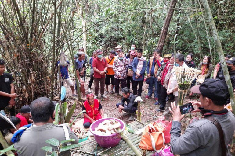 Ritual Adat Balek Angin dlm Rangka HUT/ Hari Jadi 405 Kota Sanggau