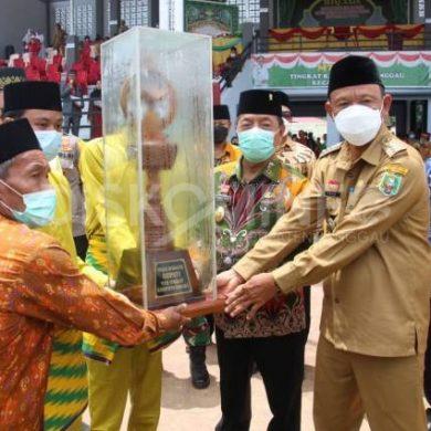 Penutupan MTQ XXIX Di Kecamatan Balai, Piala Bergilir Menjadi Piala Tetap Untuk Kafilah Meliau